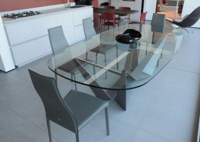 Tavolo di vetro